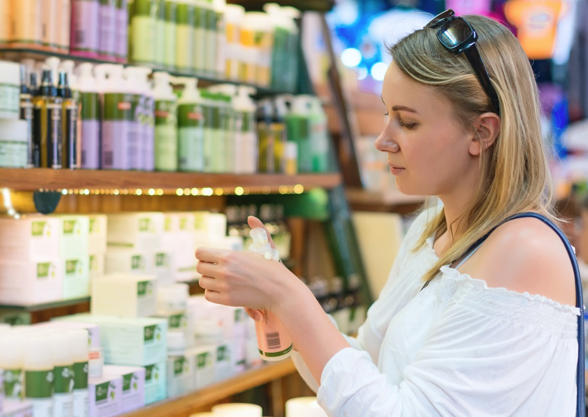 'Natural' or 'Organic' Cosmetics? Don't Trust Marketing Claims. - Environmental Working Group